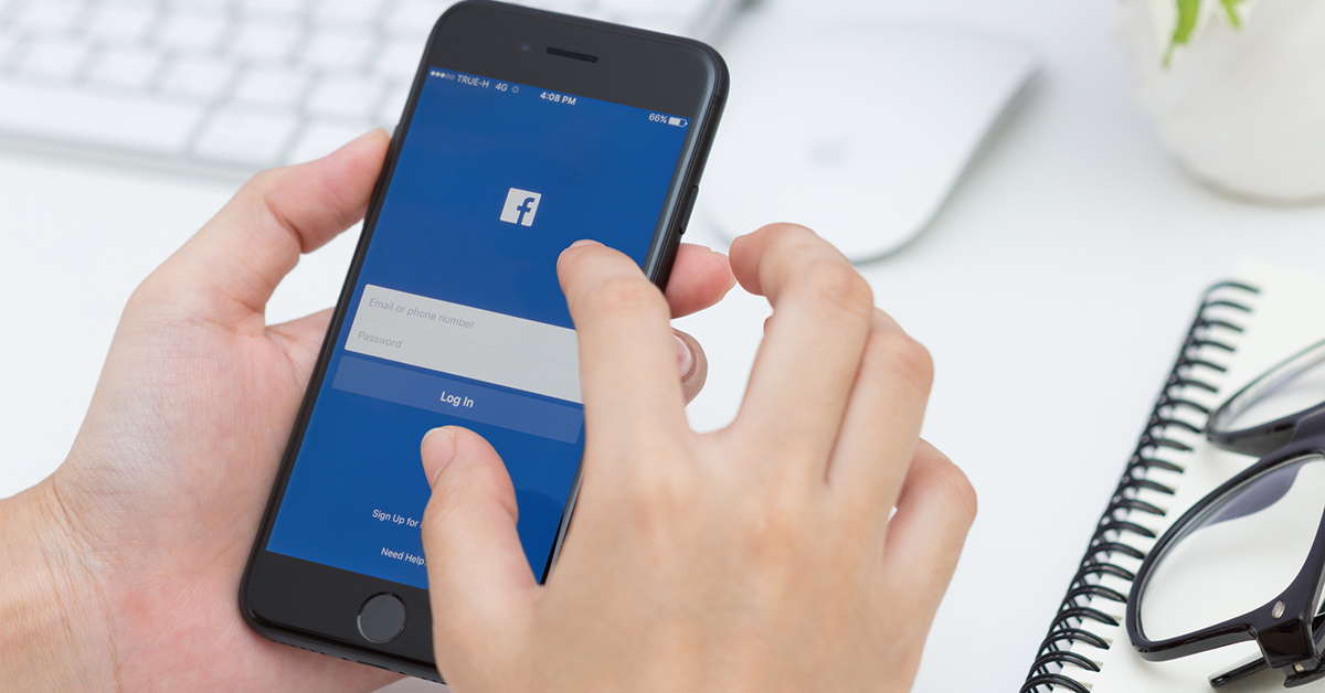 Facebook Goes to Mobile Optimized Websites